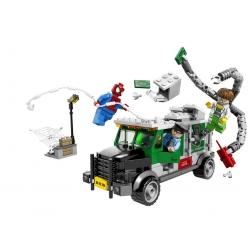 LEGO 76015 Náklaďák Heist Doc Ocka