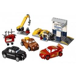 LEGO 10743 Čmoudíkova garáž